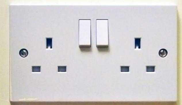 英标电源插座