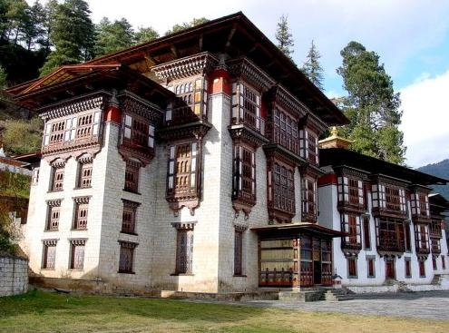 去不丹旅游需转换插头吗?